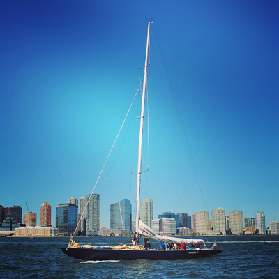 experience new york-American sail boat, new york skyline