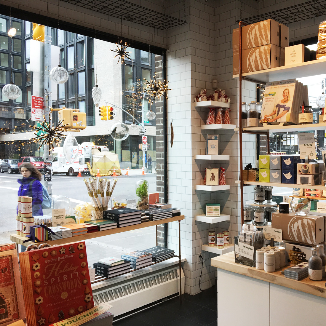 Experience New York Story Concept Store With Changing Theme