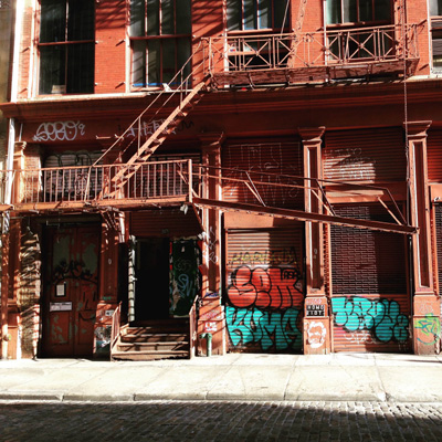 experience new york-Soho cast iron building, Wooster Street New York